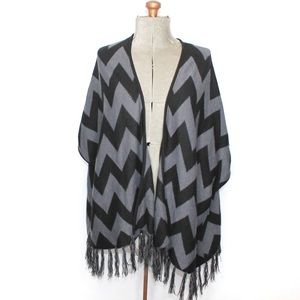 🎀3/$30 Faded Glory Grey Black Knit Kimono Shrug